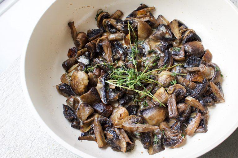 creamy-thyme-mushrooms